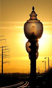 "Sunset at Manassas Junction ""И на желтой заре фонари"""