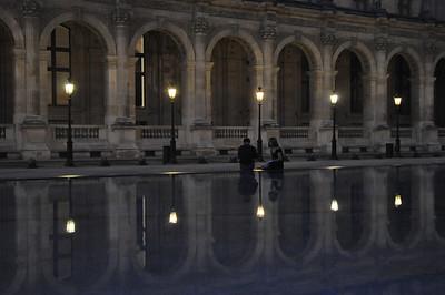Paris. Louvre. Love